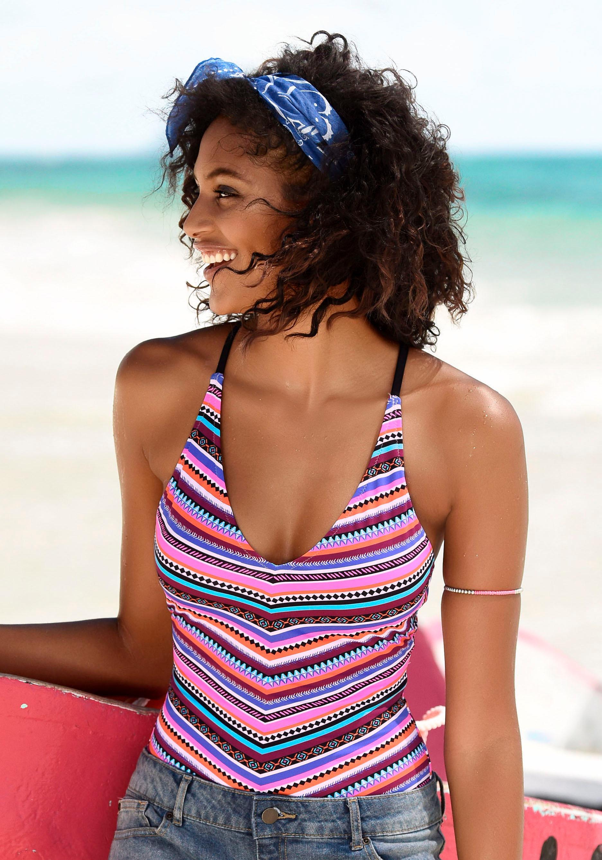 Bench. Badeanzug mit trendigem Streifenprint