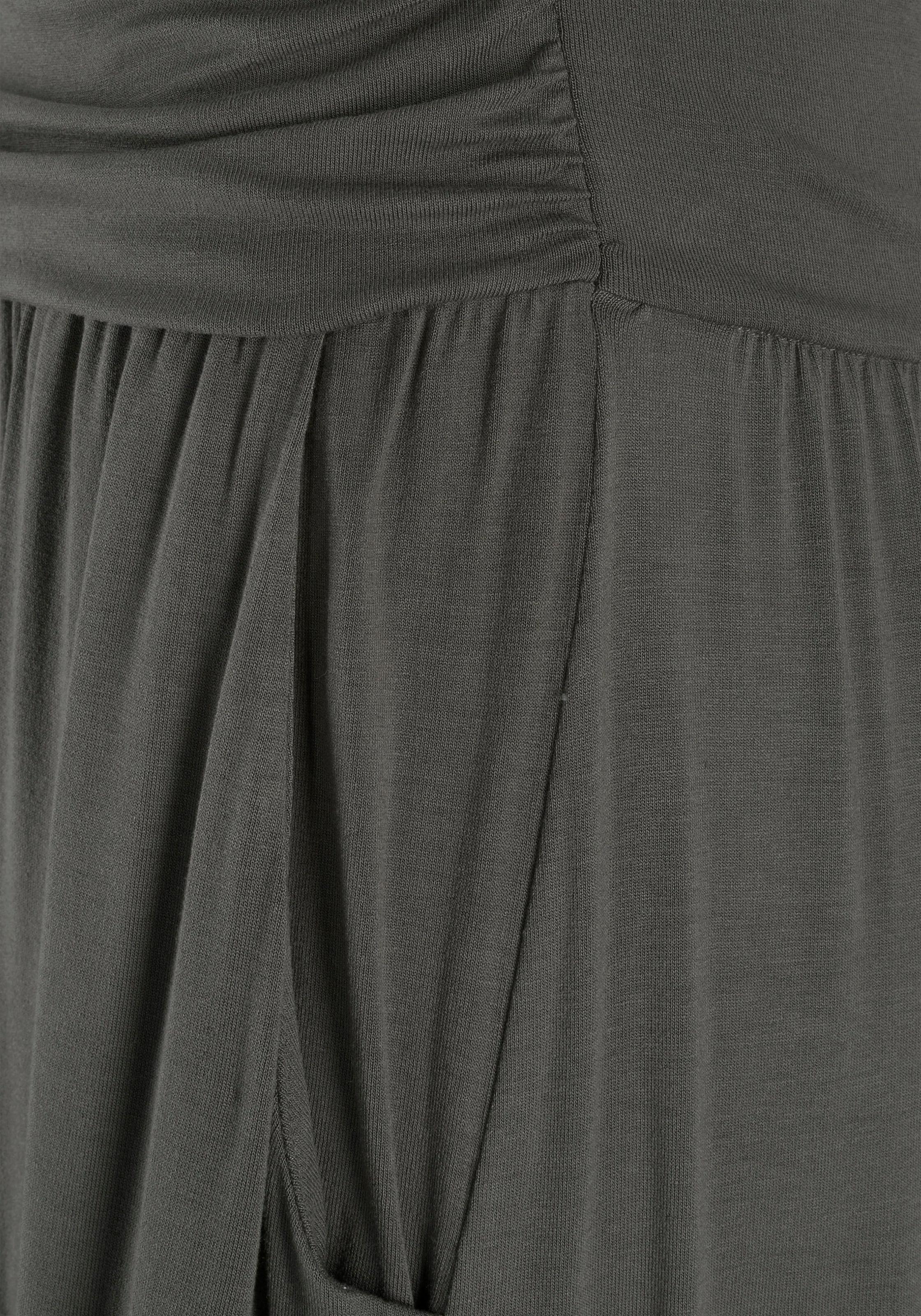 5623cfb54917 LASCANA Maxikleid mit schmalem Oberteil online kaufen